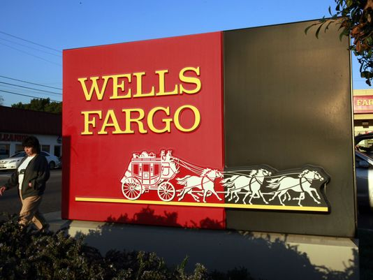 635900903134295770-wells-fargo-ap-earns