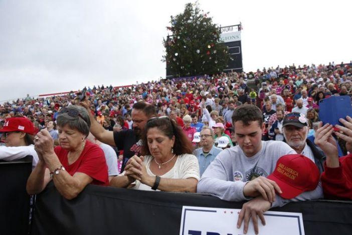 praying-for-trump